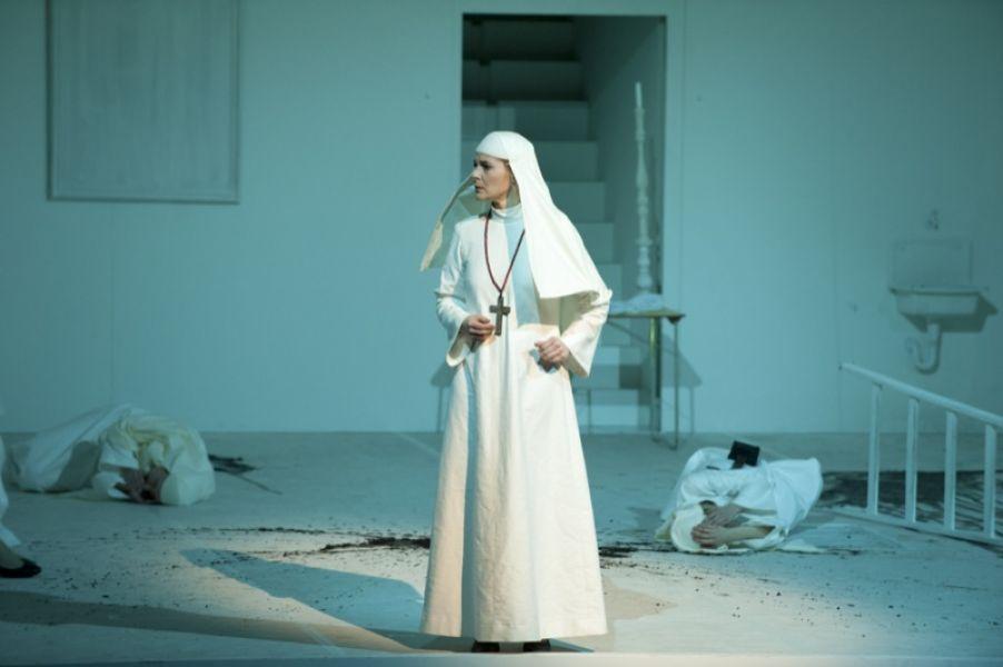Rita-Lucia Schneider - Mère Marie in DIALOGUES DES CARMÉLITES (Theater Ulm)