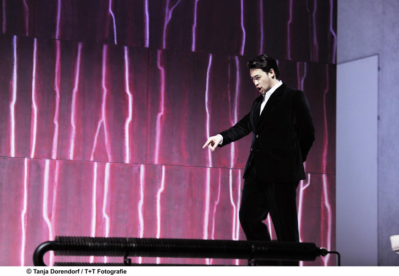 Eugene Villanueva - Conte Almaviva in LE NOZZE DI FIGARO (Theater Basel)