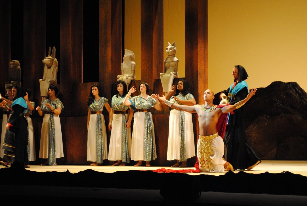 Brennan Hall - titel role in AKHNATEN (Indianapolis Opera)
